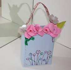 Priyankas Creative World Handmade Vase And Flowers With