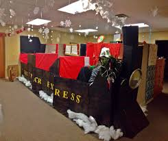 decorated office. For This Years Annual Christmas Contest In Our Office, My Coworkers Decorated Their Cubicles To Look Like The Train From Polar Express! Office I