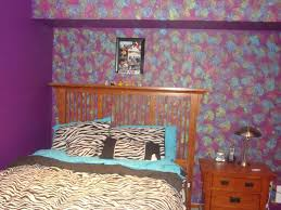 blue and purple sponge painting walls