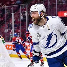 Tampa Bay Lightning trade Barclay ...