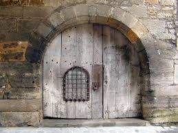 1024x768 old wooden door wallpaper and backgrounds 1024 x 768 deskpicture