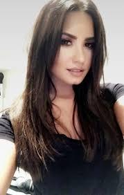 60 best Demi Lovato images on Pinterest | Demi lovato, Christmas ...