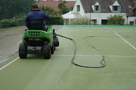 cleaning domestic tennis court surfacing