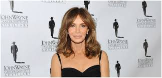Jaclyn Smith, 74, Looks Half Her Age In Stunning Photos From Hilton Holiday  Party
