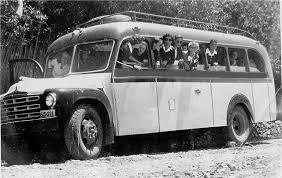 Αποτέλεσμα εικόνας για εκδρομη με παλιο λεωφορειο