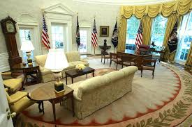 oval office decor. The Oval Office Of White House After Renovations Including New Wallpaper On Aug Has No Corners Who Made Desk Decor S