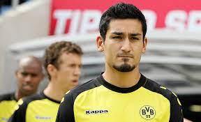 İlkay gündoğan is a german professional soccer player known for his good performances for 1. 1 Fc Nurnberg Sehr Pragende Zeit