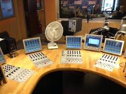 radio for office. Small Office Desk Radio Enchanting For Pretty Inspiration Ideas Best White Wal