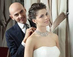 Acquistateli nella versione alta per la prima parte delle nozze per poi. Come Scegliere I Gioielli Per La Sposa La Parola Ad Enzo Miccio