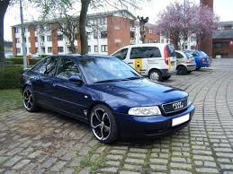 2006 audi s8 5 2 fsi quattro tiptronic comfort seats acc limousine fuse box further 2005 audi a4 avant wagon on 2006 audi s8 interior