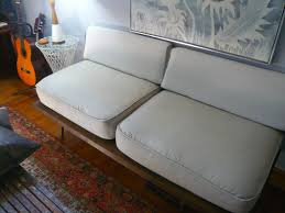 finished daybed