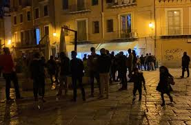 In Sicilia da oggi coprifuoco a mezzanotte, salgono a 7 le regioni bianche