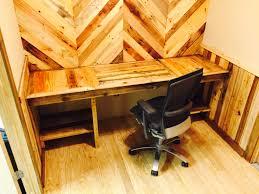 Pallets How I Built My Pallet Office Desk Walls O Pallet Ideas O 1001