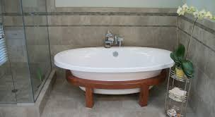 small freestanding bathtubs