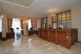 Организация работы служб приёма и размещения в гостинице  Ресепшн гостиницы Октябрьская