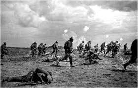 Первая Мировая Война Последствия войны распад империй  Военные действия привели к разрушению экономики многих стран Действительно во всех воюющих странах свертывалась демократия суживалась сфера рыночных