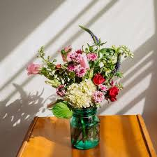 Looking for mother's day flower deals? Mother S Day Flowers Our Favourite Services With Discounts
