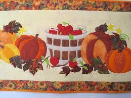 Happy Harvest! 6 Thanksgiving Quilts to Stitch & Thanksgiving table runner Adamdwight.com