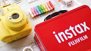 Instax Mini 9 Red Light The Instax Mini 9 Comes With A Retro Craft Bundle For The