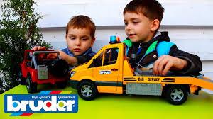 Распаковка <b>игрушек</b> Эвакуатор <b>Mercedes</b>-<b>Benz Sprinter</b> и джип ...