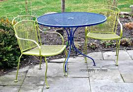 Spray Painted Brightly Colored Wrought Iron Patio Furniture Makeover Simple Spray Painting Patio Furniture Remodelling