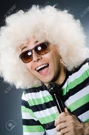 白で隔離アフロの髪型と変な男 の写真素材画像素材 Image 38229769