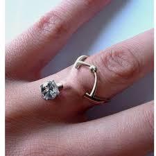 обручальные кольца решили вшивать прямо в пальцы ридус