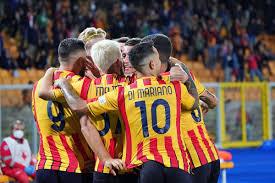 Il Lecce si impone nel big match: Monza battuto 3-0 - Tifo Brescia