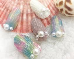 夏ネイル海にもぴったり人魚の鱗ネイルのデザイン集 ポップコーン