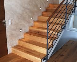 Verwenden sie vinyl treppenstufen um ihre treppe zu verkleiden. Pro Fil Treppen Vorgefertigte Treppenkanten Aus Parkett Und Vinyl