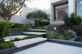 modern small front yard landscaping