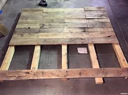 King size wood headboard Bedroom 2015myfixituplifeyour Diypallet Wood Headboard After 2015myfixituplifeyour Diypallet Wood Headboard Before Myfixituplife Your Diy Brian Made King Size Pallet Wood Headboard