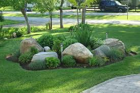 4 ideas for landscaping with boulders