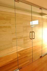 frameless pivot doors