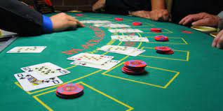 Find the best gambling game online - Casino Poker Chip