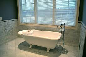 recoating a bathtub refinish fiberglass bathtub