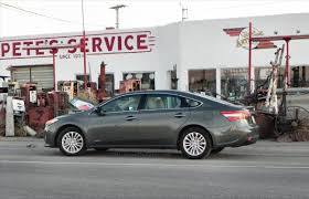 Toyota Avalon vs Toyota Avalon Hybrid - Saturday Showdown ...