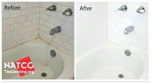 cleaning a bathtub with vinegar and baking soda how