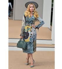 paloma faith burberry trench coat burberry london fashion
