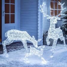 Reindeer Christmas Lights Outdoor 44 Stunning Winter Wonderland Decor Ideas Christmas Indoor