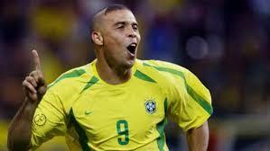 ʁoˈnawdu ˈlwis nɐˈzaɾju dʒi ˈɫĩmɐ; Brazil Legend Ronaldo The Best Player In History Says Ac Milan Star Ibrahimovic Goal Com
