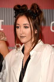 Noah Cyrus Best Beauty Looks Hair Makeup Trends Photos