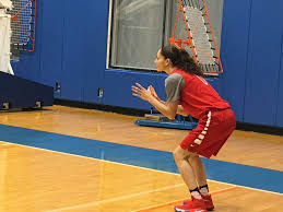 olympics photo essay from usa basketball practice sue bird ready for the ball on the baseline gabrielle levine excelle sports