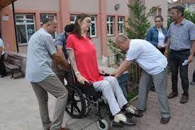 Dünyanın en uzun boylu kızı Rümeysa Gelgi oyunu kullandı - Son Dakika Flaş  Haberler