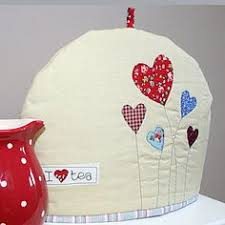 How to make a tea cosy | Cosy, Lisa and Teas & Tea cosy with hearts Adamdwight.com
