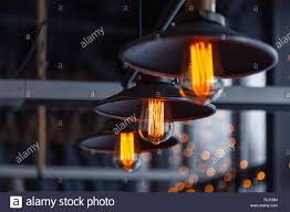 Schwarzes Eisen Loft Kronleuchter Mit Edison Lampen Auf
