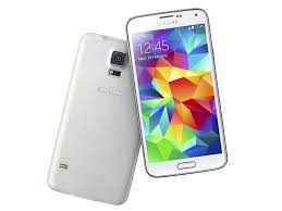 samsung galaxy s5 white vs black. apart from the black and blue versions, s5 is also available in white. samsung galaxy white vs b