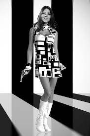 Dame Diana Riggs 1968 Looking Real Groovy. R.I.P. Diana - 9GAG