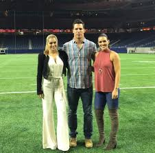 Justin james watt (born march 22, 1989) is an american football defensive end who is a free agent. Brian Cushing S Wife Pushing Hard For Jj Watt S New Girlfriend Terez Owens 1 Sports Gossip Blog In The World