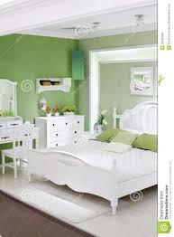 Stilvolles Grünes Schlafzimmer Mit Doppelbett Stockbild Bild Von